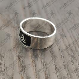 Кольцо оберег Трискель