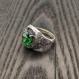 Мужская печатка с зеленым большим камнем