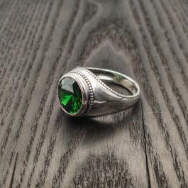 Мужское кольцо с круглым большим камнем