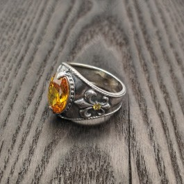 Мужской перстень с цитрином и геральдической лилией