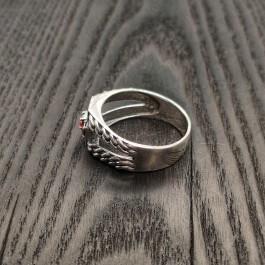 Мужской перстень с гранатом