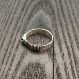 Мужское кольцо с зеленым камнем